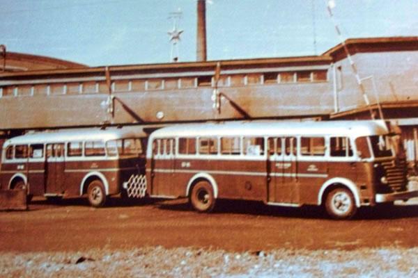 A csuklósok elődei: pótkocsis buszok