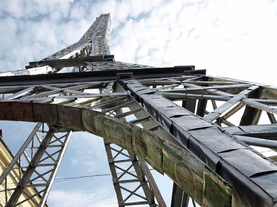 Hulladékból épül Eiffel-torony Budapesten