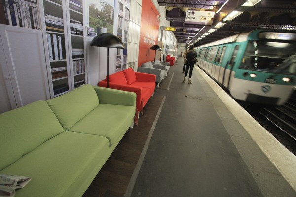 Ikea a párizsi metróban