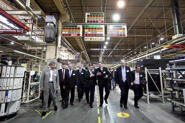 Orbán Viktor alapozta meg az új Opel-gyárat