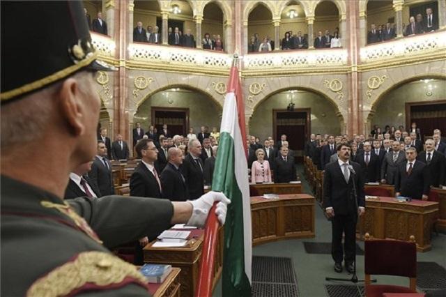 A parlamentnek valamit döntenie kell az óraátállítás eltörléséről