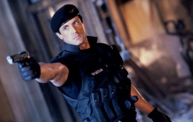 Csalással vádolja Stallone a Warner Bros.-t