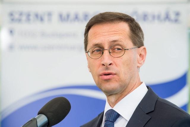 Az előterjesztő, Varga Mihály