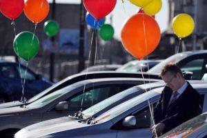 Sokkal több új autót vehetnek a magyarok