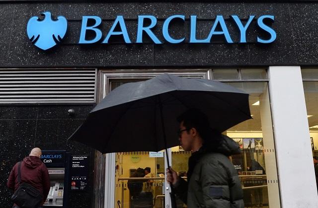 Csalással vádolják a Barclays volt igazgatóit