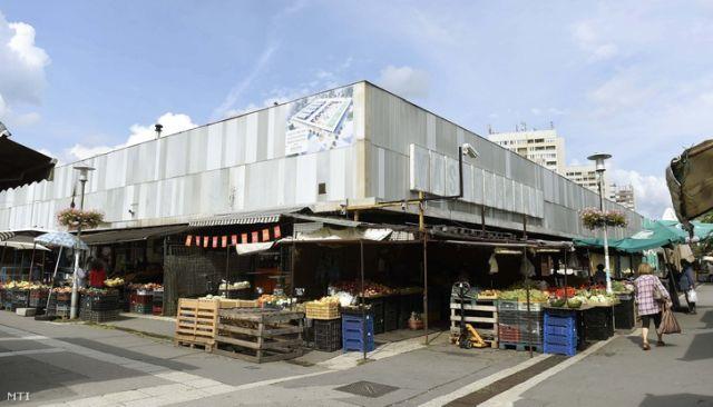 A békásmegyeri piacot is Garancsi húzhatja fel 5 milliárdért