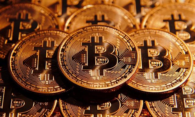 Szigorítás miatt kapott egy gyomrost a Bitcoin
