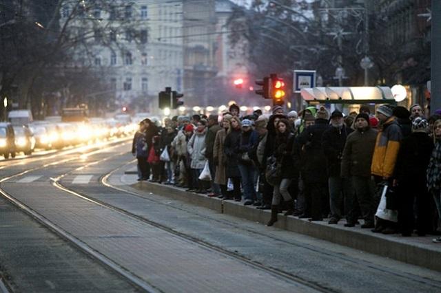 Péntektől megint tömegnyomorban járhatunk munkába Budapesten