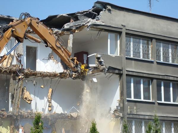 13 ezer ingatlan hever parlagon Magyarországon