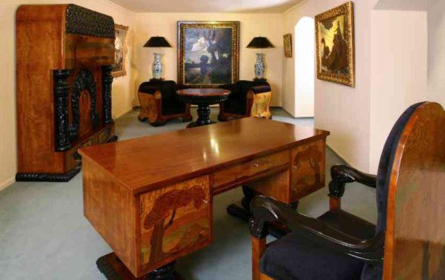 68 millióért venne art deco bútort az MNB