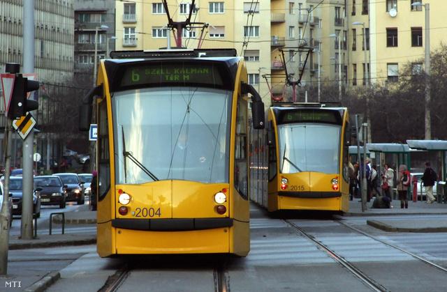 Sűrűbben járnak a budapesti buszok, villamosok és trolik az adventi hétvégéken