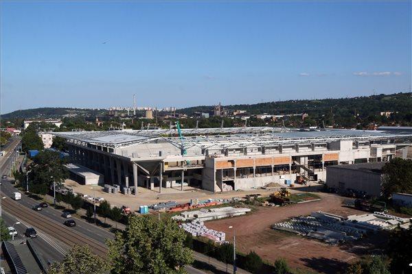Jövő tavaszra kész a 13 milliárdos diósgyőri stadion