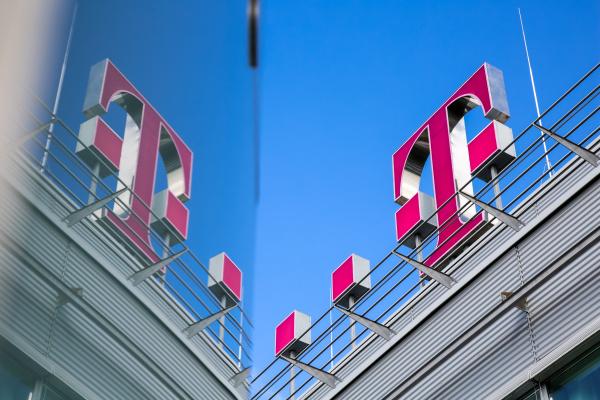 75 millióra bírságolták a Magyar Telekomot