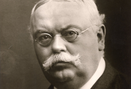 100 éve halt meg Dr. Oetker