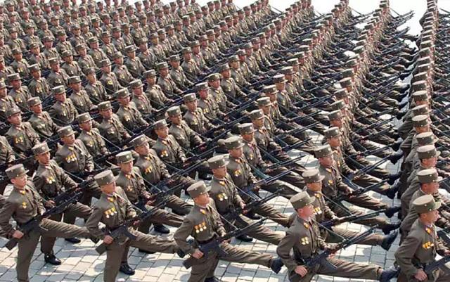 Sokkal nagyobb az észak-koreai hadsereg, mint gondolná