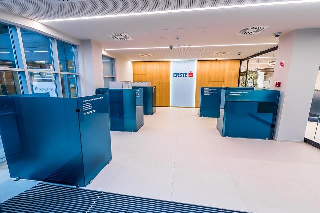 Már a bankszektor is nyögi a munkaerőhiányt