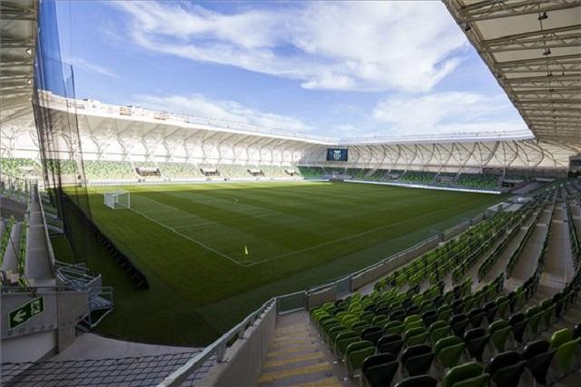 Privát stadionavatót tartanak a politikusok a Haladás új arénájában