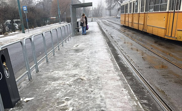 Kalandparkot varázsolt a BKV a budapesti megállókba