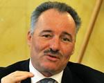 A MÁV-ot és az utasokat is megszorongatja az új közlekedési miniszter