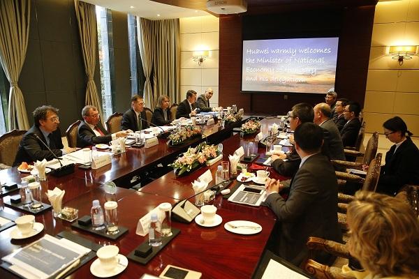 Varga hazánk vezető szerepéről álmodozik a messzi Kínában