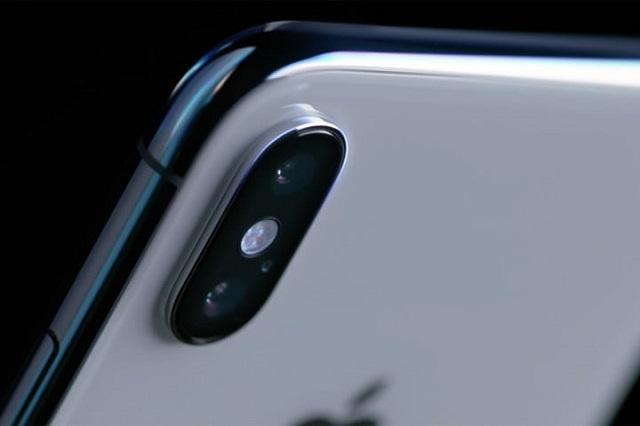2018-ra is csúszhat az iPhone X