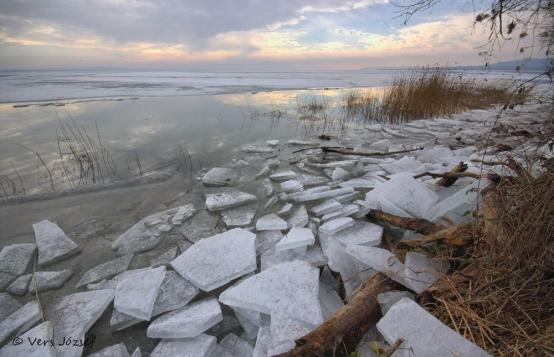 A jégzajlás miatt nem termel áramot a tiszalöki vízerőmű
