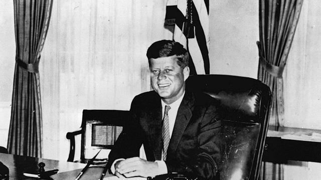 200 millió forintnál is többért kelt el John F. Kennedy naplója