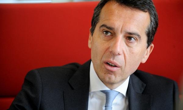 Súlyos válság Ausztriában: Előrehozott választásokat vár a kancellár