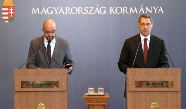 Kovács Zoltán és Lázár János az egyik Kormányinfón