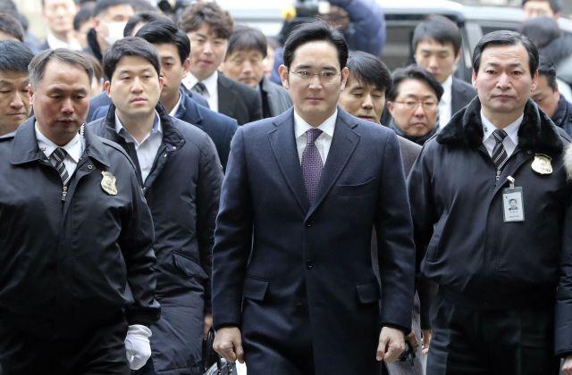 5 év börtönre ítélték a Samsung-csoport alelnökét