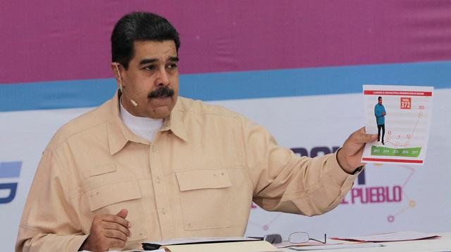 Saját kriptovalutával mentené meg az utolsókat rúgó gazdaságát Venezuela