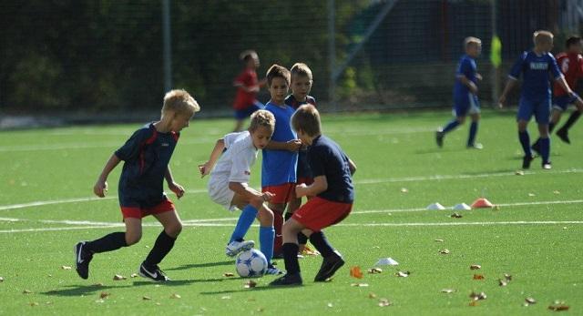 1,1 milliárdért épülnek focipályák Budapesten