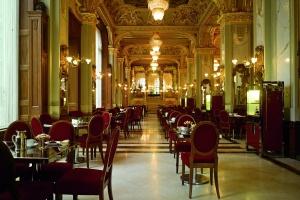 120 éves Budapest patinás kávéháza