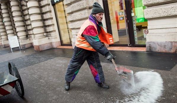 A főváros 16 ezer tonna útszóró sóval készül a télre