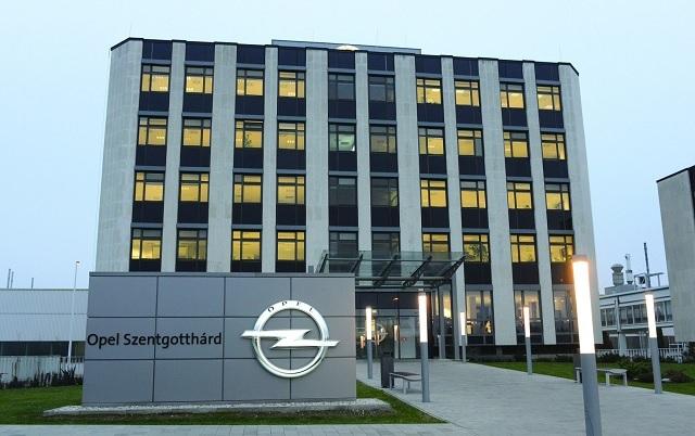 Leépítések a szentgotthárdi Opelnél