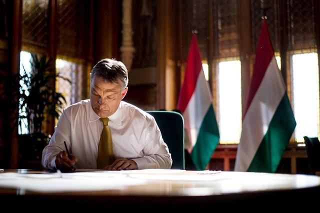 Nem nyilvános gazdasági csúcstalálkozón beszél Orbán Viktor Berlinben
