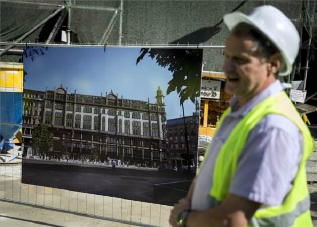 12,5 milliárdból építenek hotelt a Párisi Udvarban