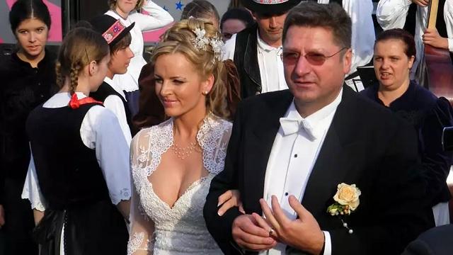 Parragh Bianka és Parragh László esküvői fotója