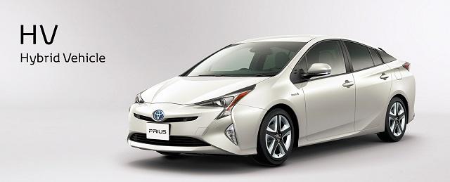 Nagyot dobhatnak a japán autógyártók, a Toyota hibridről vált elektromosra