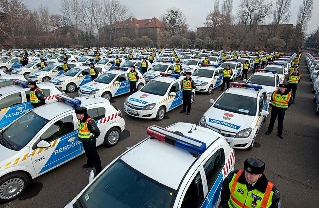 45 milliárdból vesz új kocsikat a rendőrségnek és a honvédségnek az állam