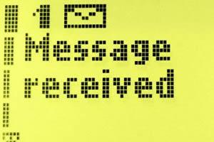 Valakit félmillióval húztak le - Leáldozott az emelt díjas sms-eknek?