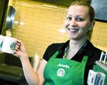 Fülledt erotika, kolbászos szendvics: Pesten vakított a sztárkávézó