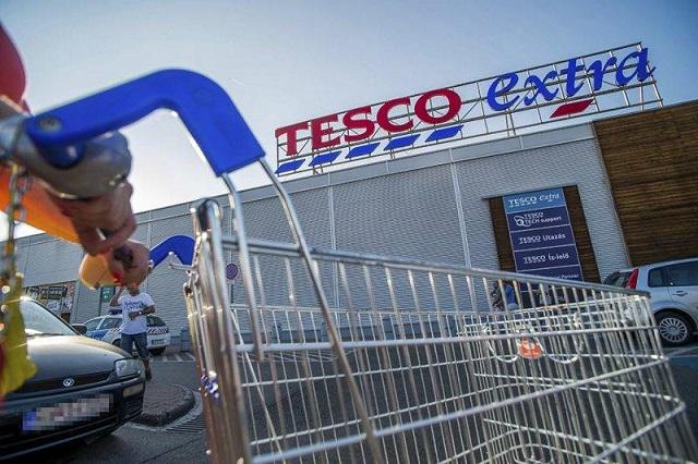Megállapodott a Tesco és a szakszervezetek, nem lesz több sztrájk
