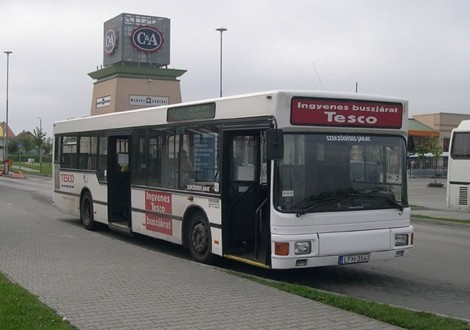 Több helyen megszűnnek a Tesco-buszok