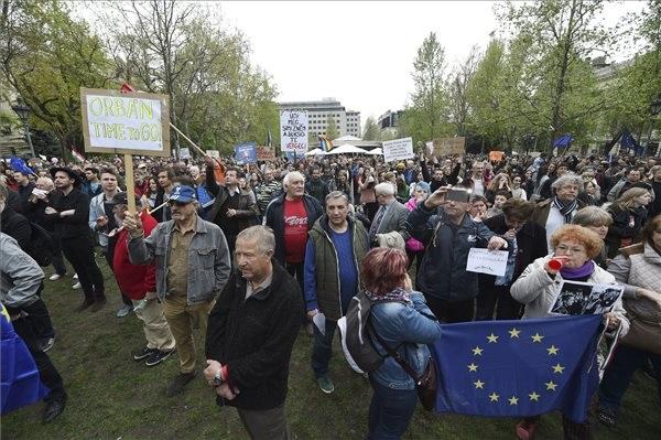 Választási mozgalmat hirdettek a tiltakozók