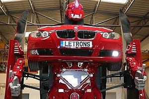 Filmből valóság: Transformerré alakul a BMW!