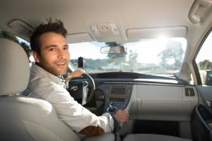 Tudja mennyi pénze van az Uber alapítójának?