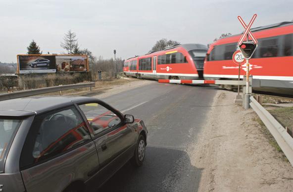 Nagyszabású ellenőrzést tart a MÁV és a rendőrség a vasúti átjárókban
