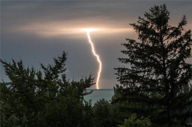 8 ezer kárbejelentést sodort össze a vasárnapi vihar