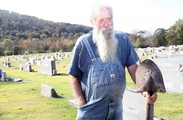 Munkából megyünk a sírba